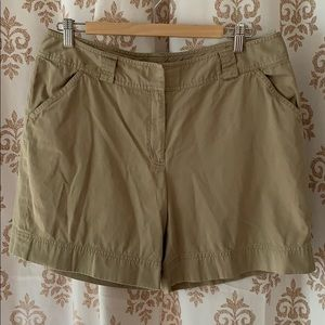 Pants - Khaki 100% cotton walking shorts 10